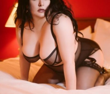 Montreal Escort Miss Sophira Adult Entertainer, Adult Service Provider, Escort and Companion.
