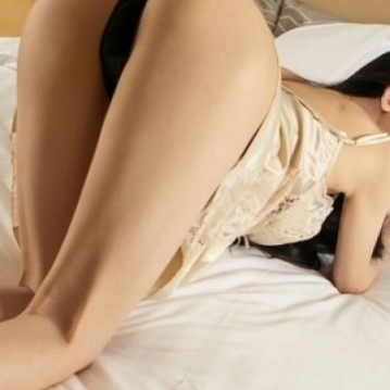 Montreal Escort LILLY CHU Adult Entertainer, Adult Service Provider, Escort and Companion.