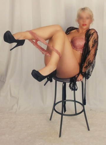 Halifax Escort Kylie  Jane Adult Entertainer in Canada, Female Adult Service Provider, Canadian Escort and Companion.