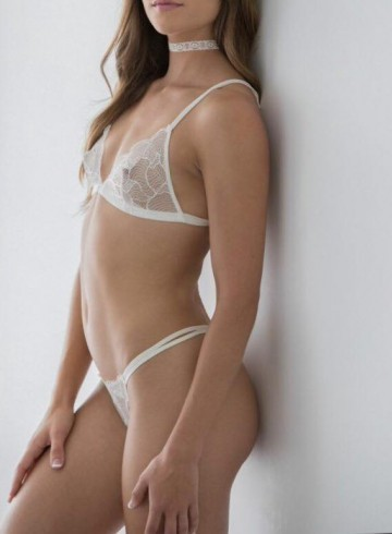 Fredericton Escort Naomi  Anne Star Adult Entertainer in Canada, Female Adult Service Provider, Canadian Escort and Companion.