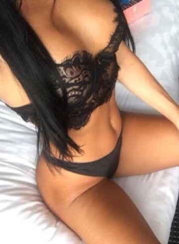 Toronto Escort Petite Adult Entertainer in Canada, Female Adult Service Provider, French Escort and Companion.