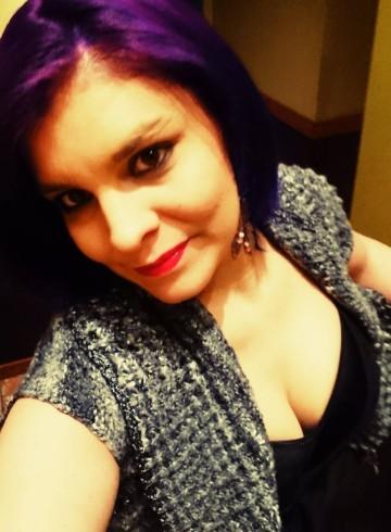 Edmonton Escort Cassie  Kellie Adult Entertainer in Canada, Female Adult Service Provider, Canadian Escort and Companion.