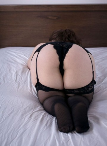 Ottawa Escort Chloesummers Adult Entertainer in Canada, Female Adult Service Provider, Canadian Escort and Companion.