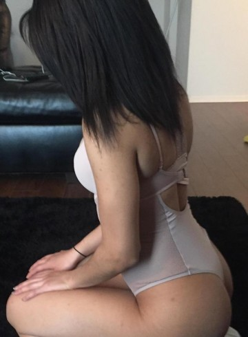Montreal Escort Aiisha  Sweetz Adult Entertainer in Canada, Female Adult Service Provider, Escort and Companion.