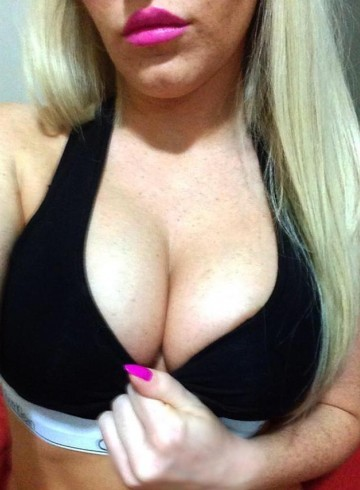 Calgary Escort Ashley Adult Entertainer in Canada, Female Adult Service Provider, Dutch Escort and Companion.