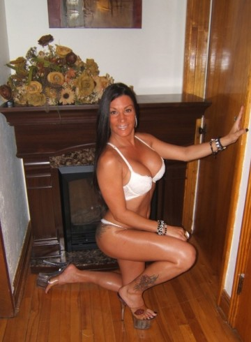 Montreal Escort Sweetvanessa Adult Entertainer in Canada, Female Adult Service Provider, Canadian Escort and Companion.